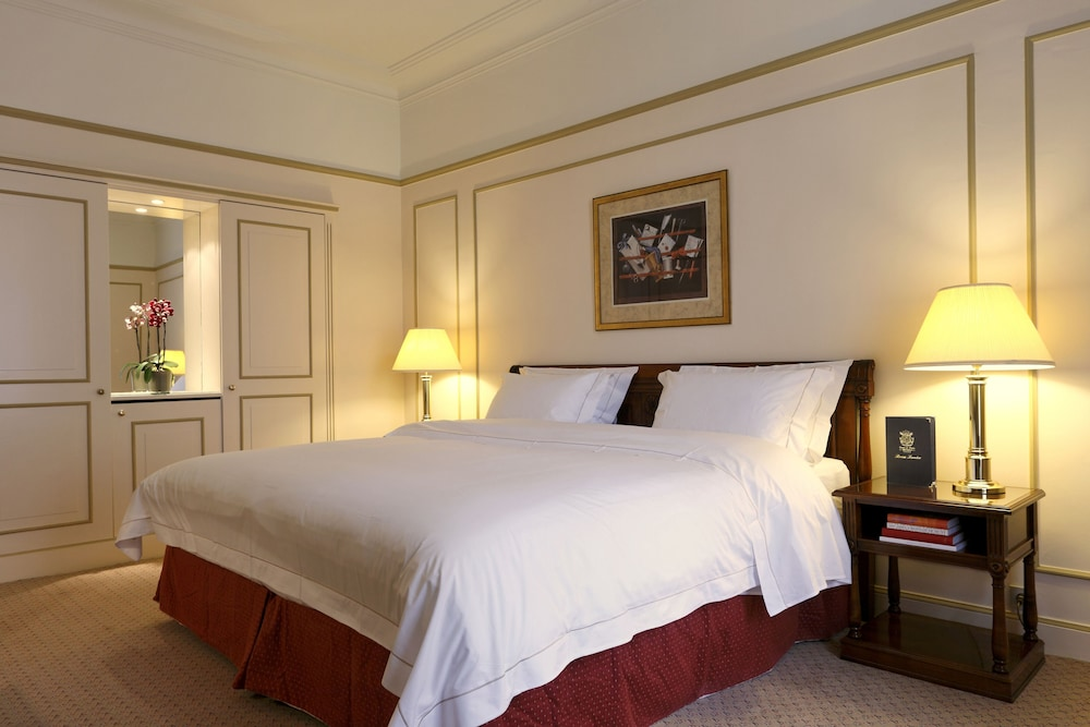 Room, Hotel Le Plaza Brussels
