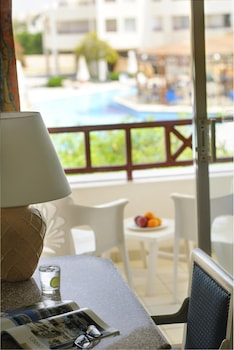 Room, Pool View - Guestroom View
