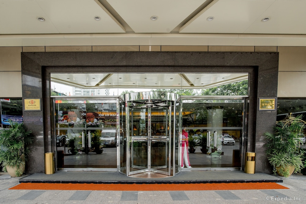 Property Entrance, Hanoi Hotel