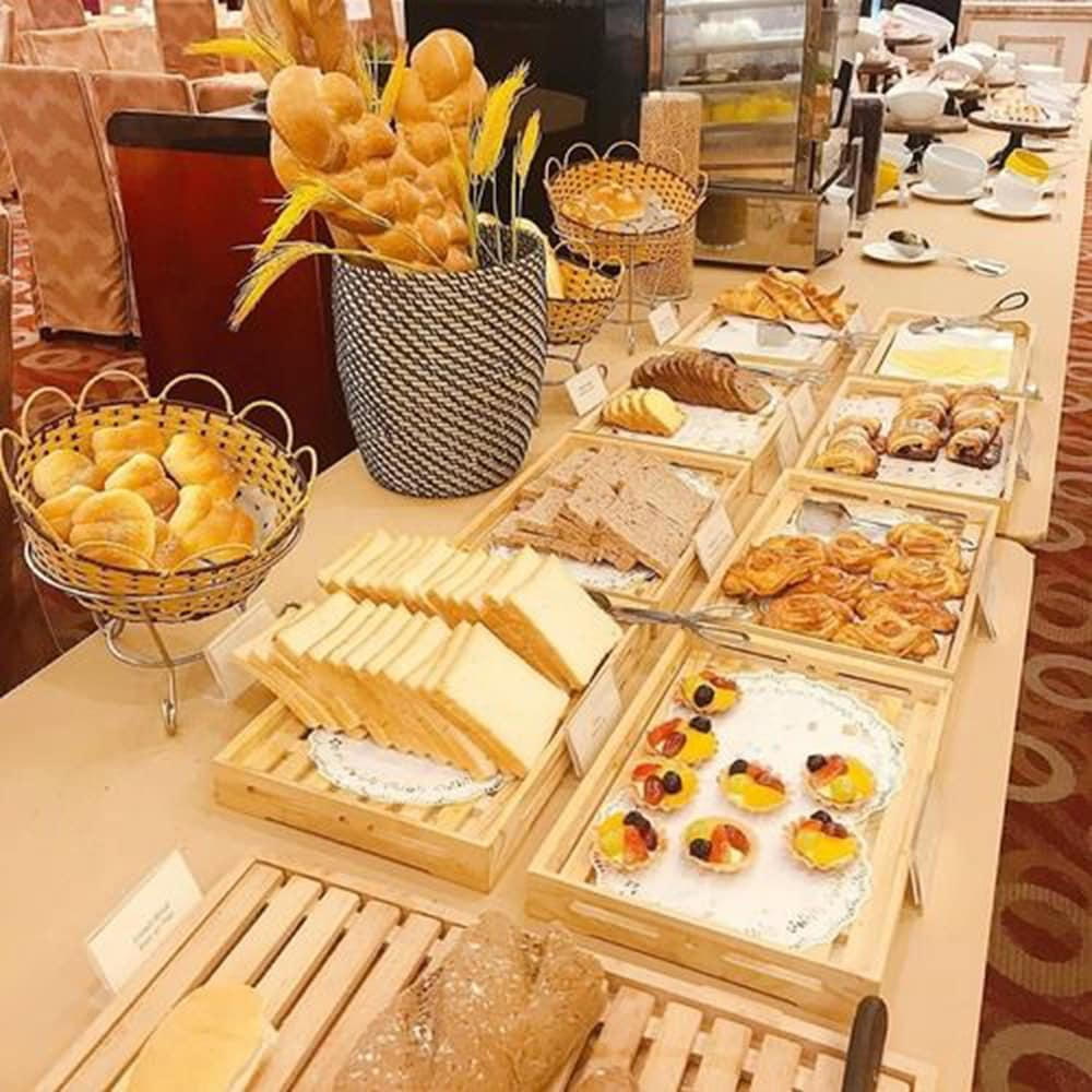 Breakfast buffet, Hanoi Hotel