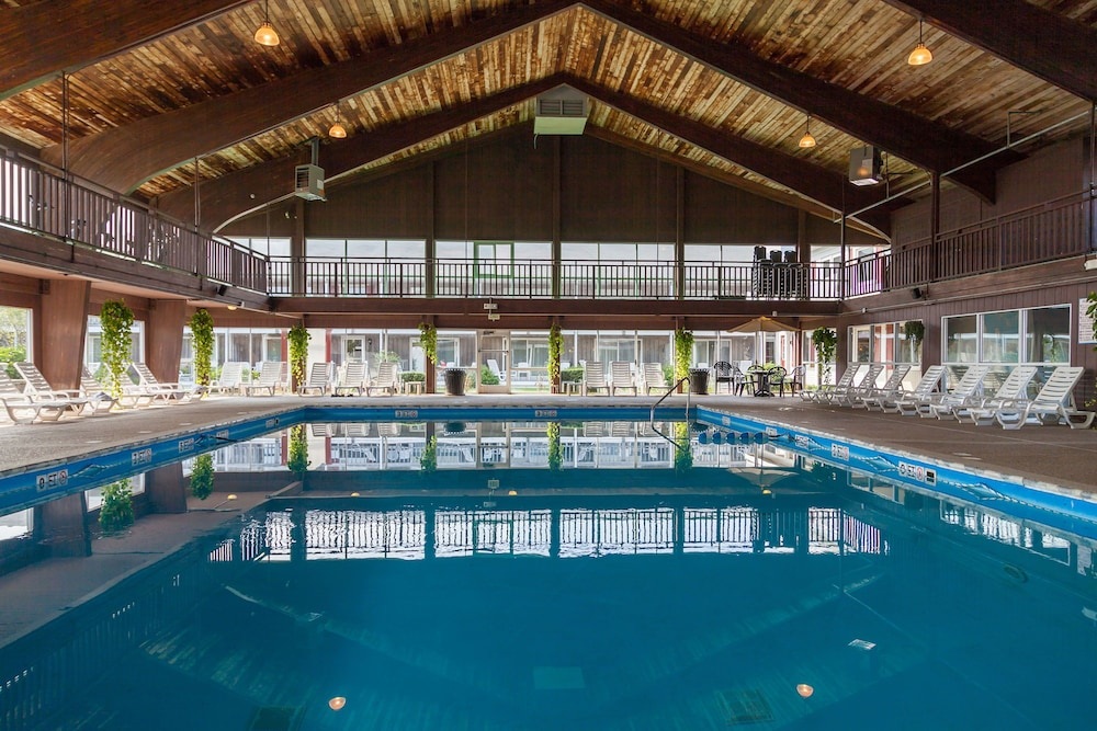 Indoor Pool, Red Jacket Beach Resort
