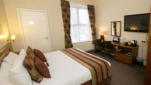 Desk, free WiFi, linens, wheelchair access