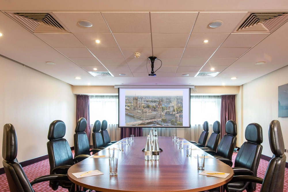 Meeting Facility, DoubleTree by Hilton London Heathrow Airport