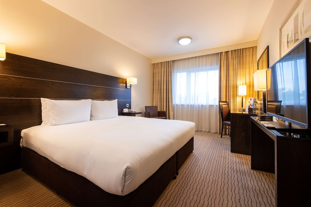 Room, DoubleTree by Hilton London Heathrow Airport