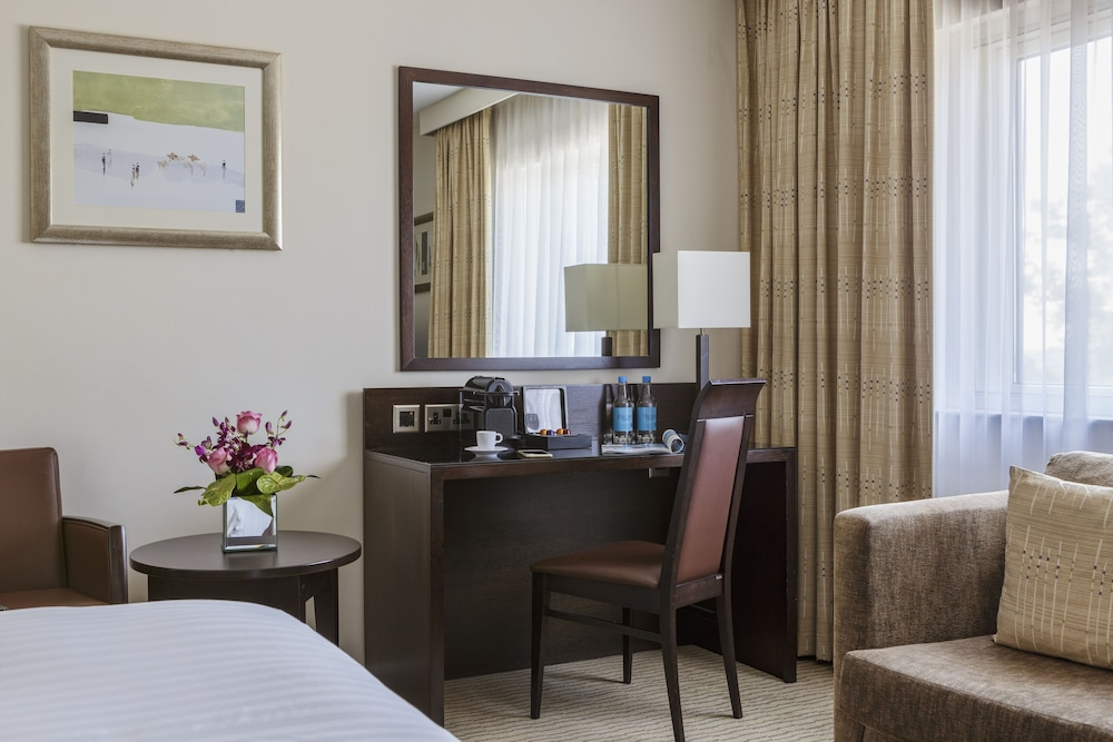 Room Amenity, DoubleTree by Hilton London Heathrow Airport