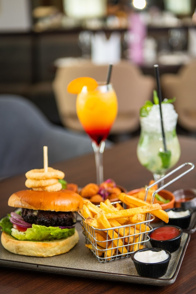 Food and Drink, DoubleTree by Hilton London Heathrow Airport