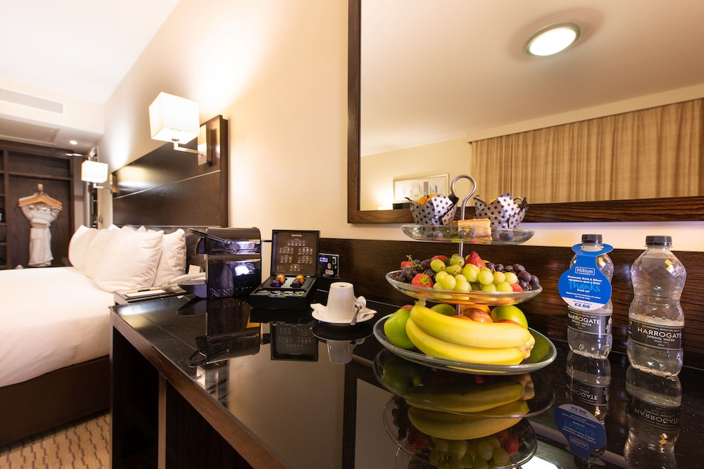 Coffee and/or Coffee Maker, DoubleTree by Hilton London Heathrow Airport
