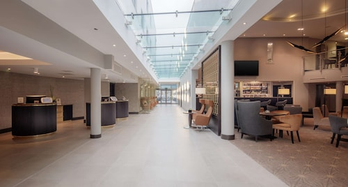DoubleTree by Hilton London Heathrow Airport