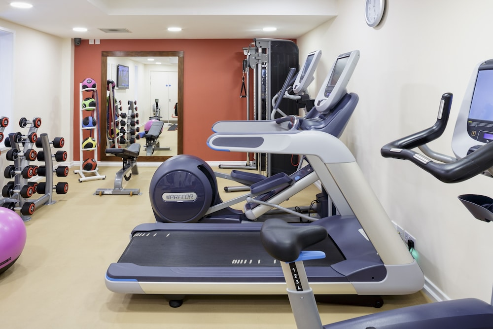 Gym, DoubleTree by Hilton London Heathrow Airport