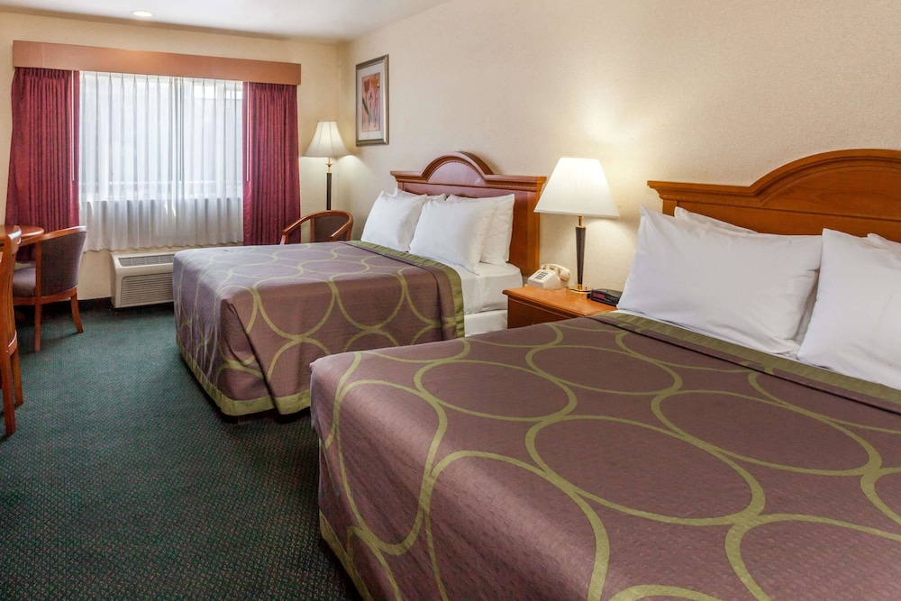 Room, Super 8 by Wyndham Anaheim/Disneyland Drive