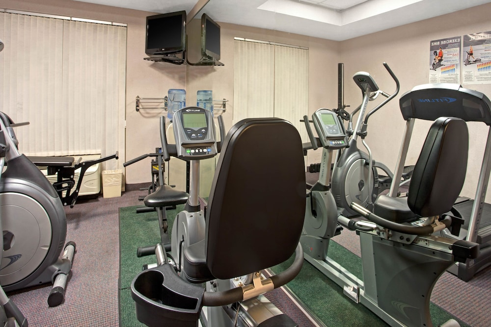 Fitness Facility, Ramada by Wyndham Pearl/Jackson Airport