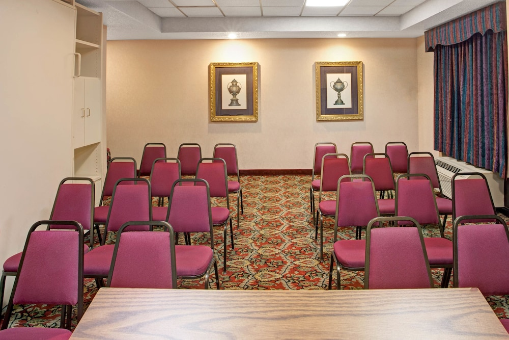 Meeting Facility, Ramada by Wyndham Pearl/Jackson Airport