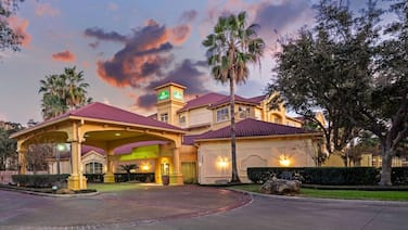 La Quinta Inn & Suites by Wyndham Houston West Park 10
