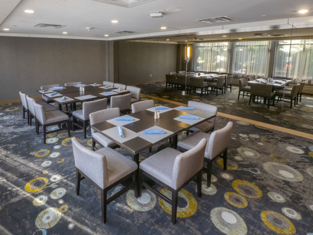 Meeting Facility, DoubleTree by Hilton Hotel Niagara Falls New York