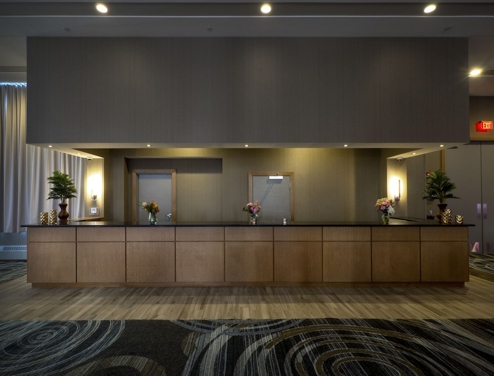 Reception, DoubleTree by Hilton Hotel Niagara Falls New York
