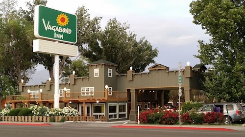 Check Expedia for Availability of Vagabond Inn Bishop
