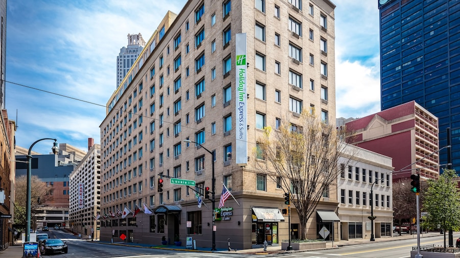 Holiday Inn Express and Suites Atlanta Downtown, an IHG Hotel