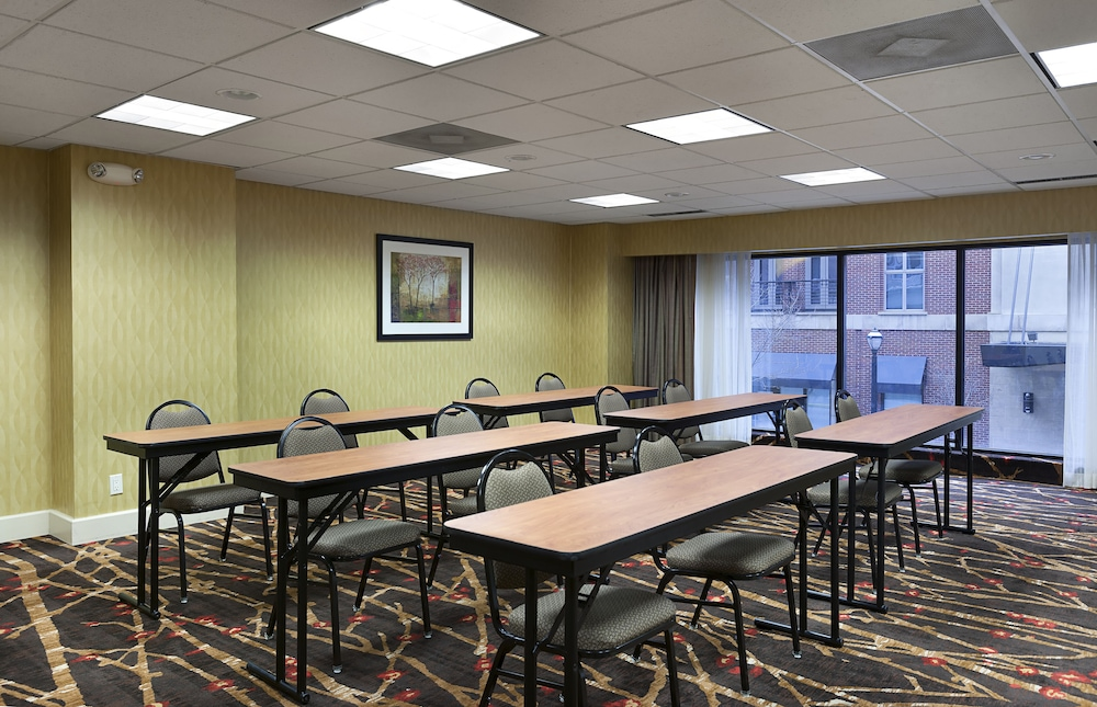 Meeting Facility, Holiday Inn Express and Suites Atlanta Downtown