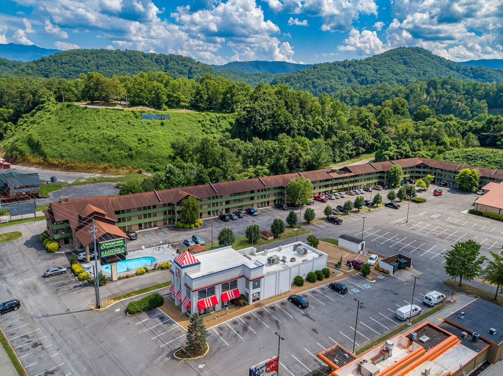 Aerial View, Evergreen Smoky Mountain Lodge & Convention Center
