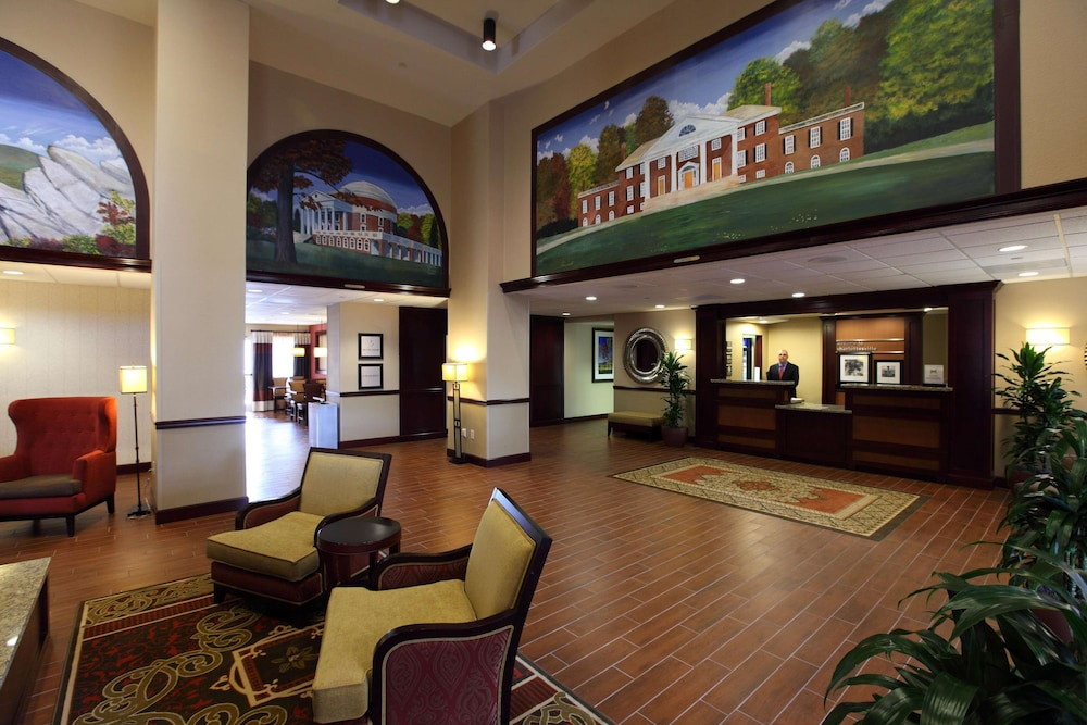 Reception, Hampton Inn & Suites Charlottesville-At the University