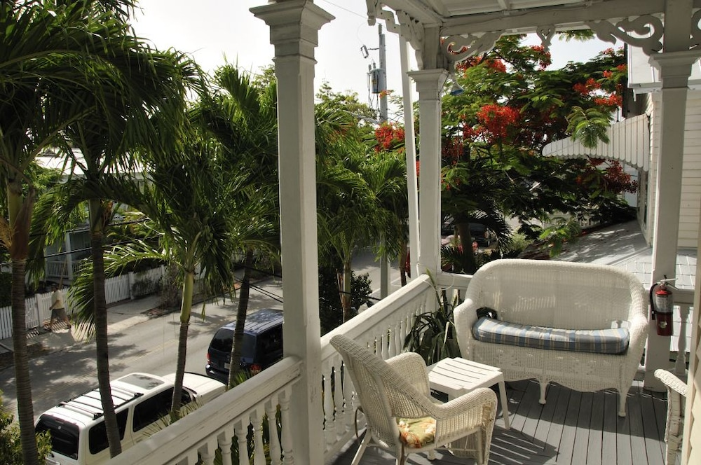 Porch, The Palms Hotel