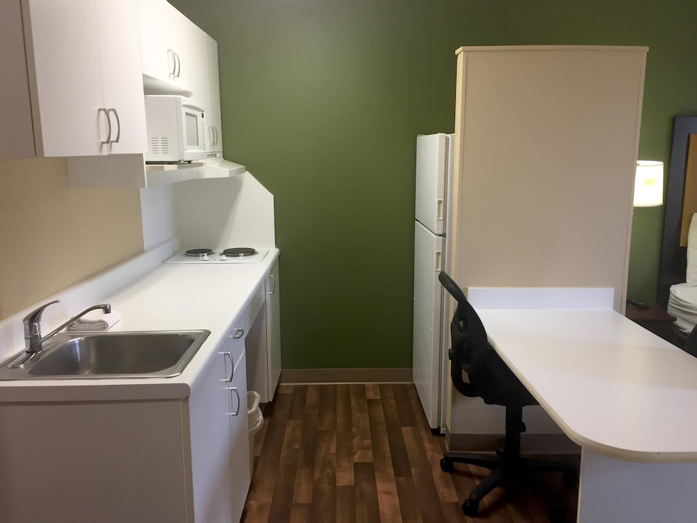 Private Kitchen, Extended Stay America Chicago-Rolling Meadows-Convention Ctr