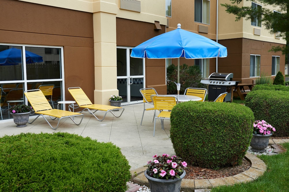 BBQ/Picnic Area, Fairfield Inn By Marriott Port Huron