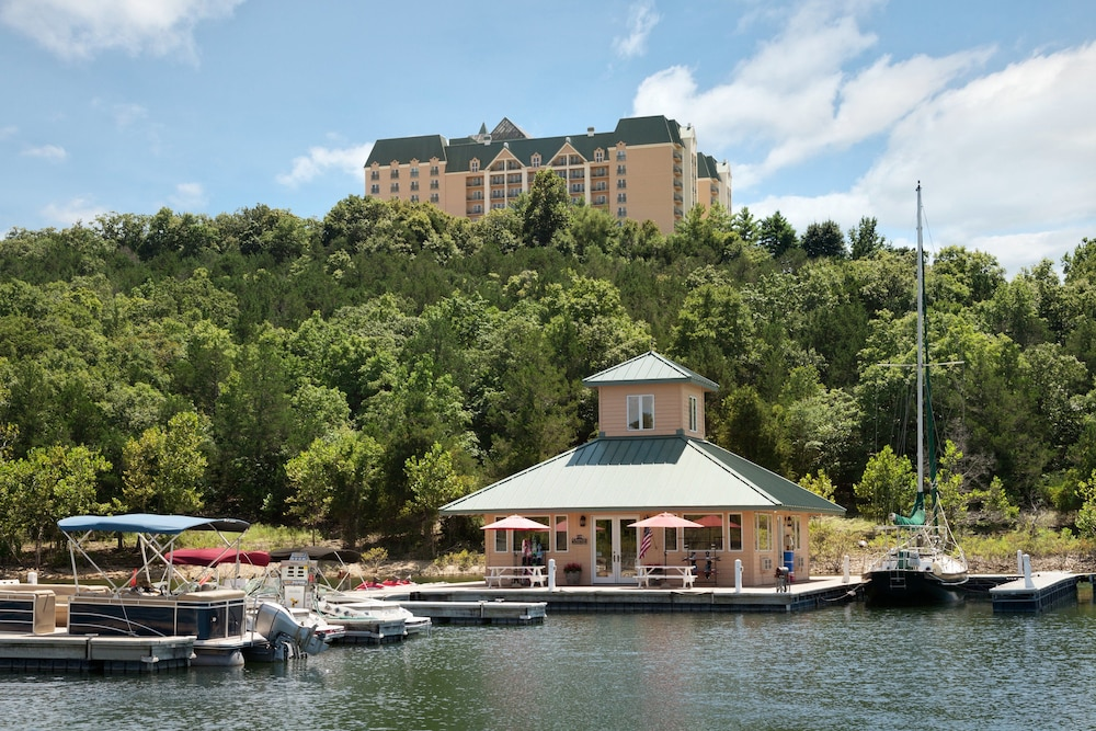 Boating, Chateau On The Lake Resort Spa and Convention Center