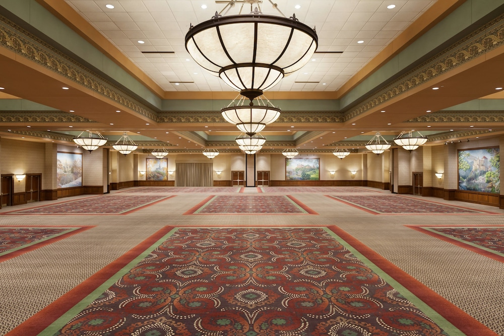 Ballroom, Chateau On The Lake Resort Spa and Convention Center