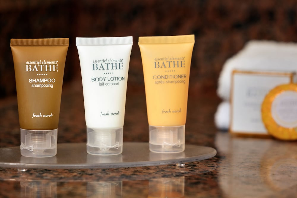 Bathroom Amenities, Chateau On The Lake Resort Spa and Convention Center