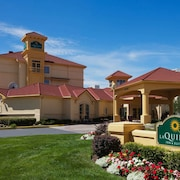 La Quinta Inn & Suites by Wyndham Salt Lake City Airport
