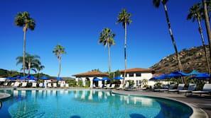 7 室外游泳池,09:00 至 21:00 开放,收费帐篷屋,池畔遮阳伞