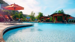 7 outdoor pools, open 9:00 AM to 9:00 PM, pool cabanas (surcharge)