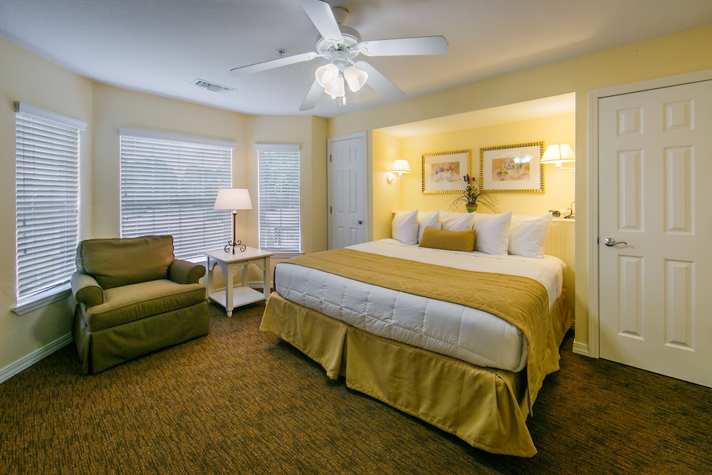 Room, Holiday Inn Club Vacations Orlando Breeze Resort, an IHG Hotel