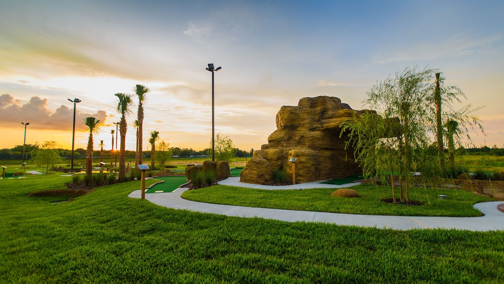 Mini-Golf, Holiday Inn Club Vacations Orlando Breeze Resort, an IHG Hotel