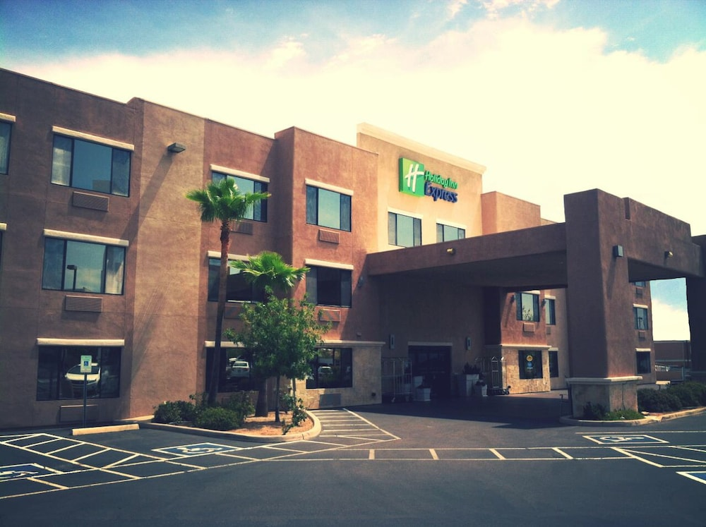 Exterior, Holiday Inn Express & Suites Nogales