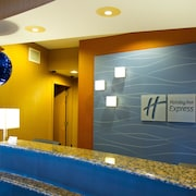 Holiday Inn Express and Suites Vineland Millville
