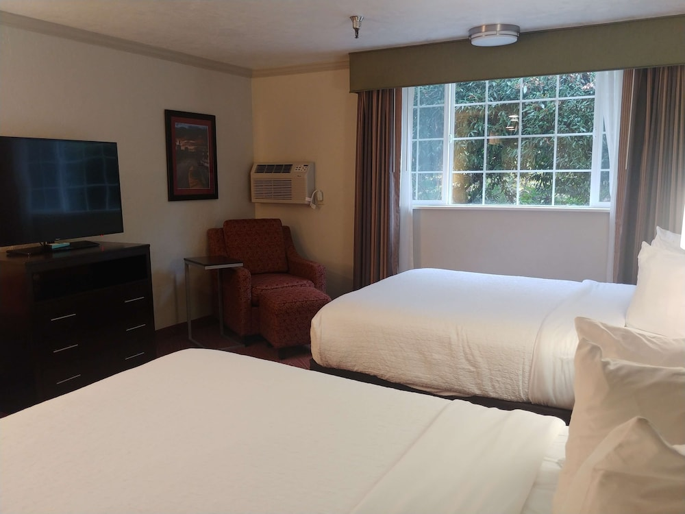 Room, Best Western Plus Parkway Inn
