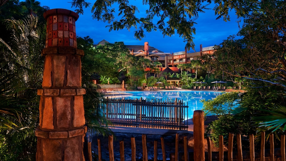 Outdoor Pool, Disney's Animal Kingdom Lodge