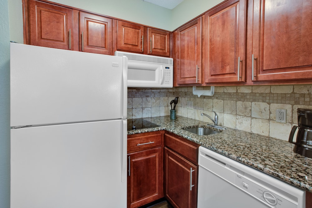 Private Kitchen, Staybridge Suites - Louisville - East