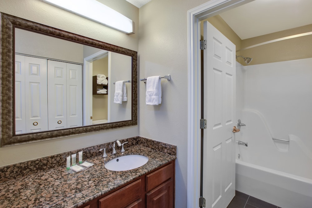 Bathroom, Staybridge Suites - Louisville - East