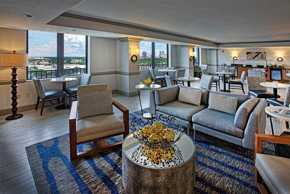 Executive Lounge, Renaissance Fort Lauderdale Cruise Port Hotel
