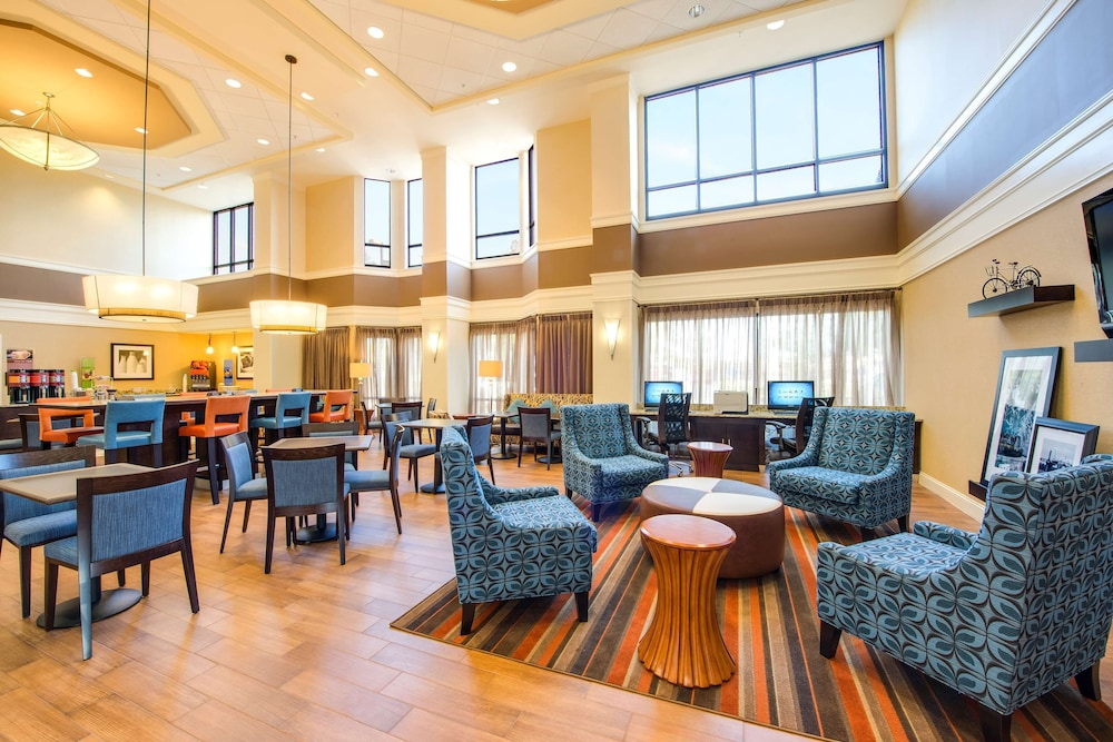 Lobby, Hampton Inn & Suites Atlanta Airport North I-85