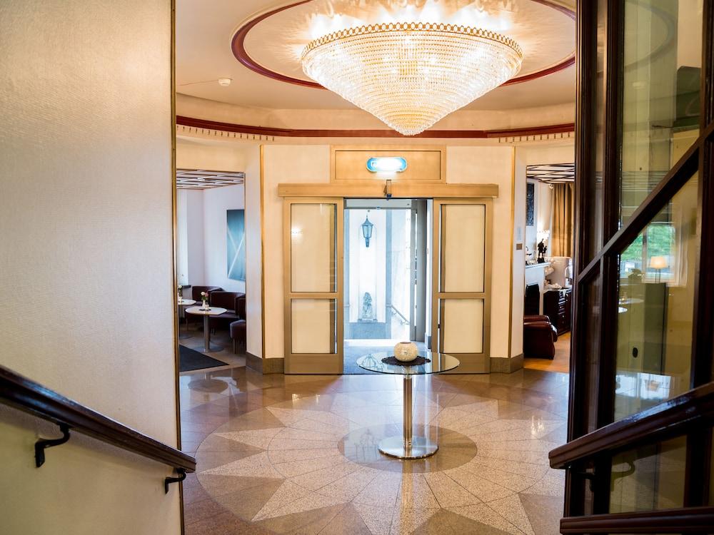 royal thai falkenberg em stockholm
