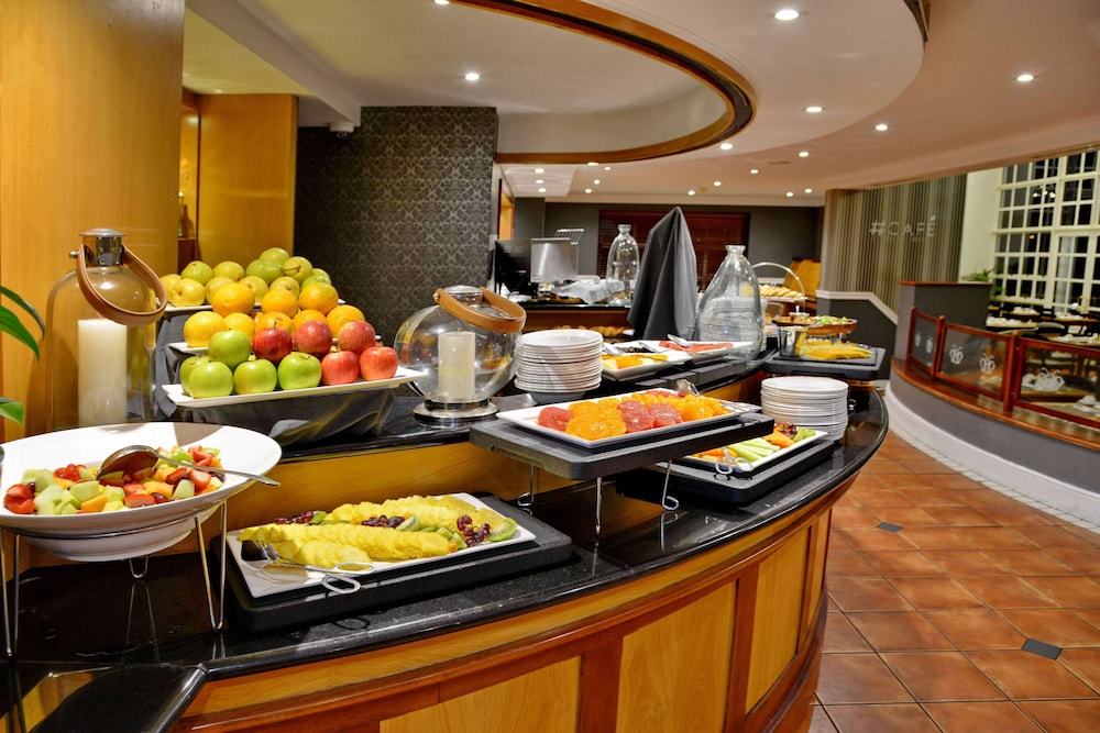 Breakfast buffet, City Lodge Hotel GrandWest