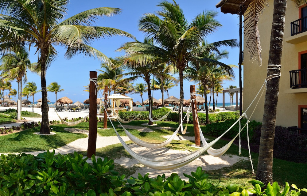 Property Grounds, Catalonia Riviera Maya Resort and Spa All Inclusive