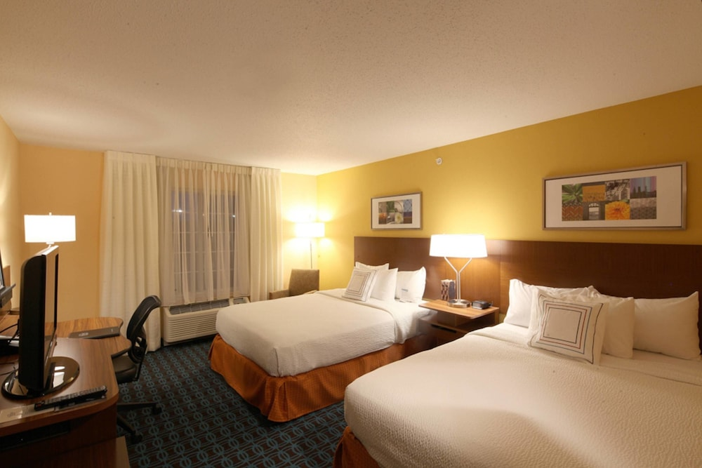 Room, Fairfield Inn & Suites by Marriott Cincinnati Eastgate