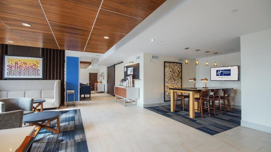 Holiday Inn Express Mira Mesa-San Diego, an IHG Hotel