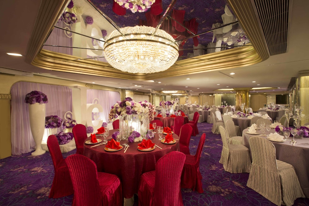 Banquet Hall, Regal Oriental Hotel - Hong Kong