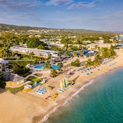 Jewel Runaway Bay Beach & Golf Resort – All Inclusive
